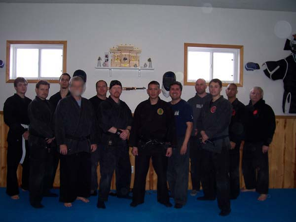 mike-asuncion-seminar-2008-tie-group-photo