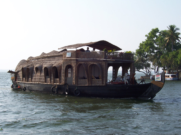 kerela-house-boat-for-tie