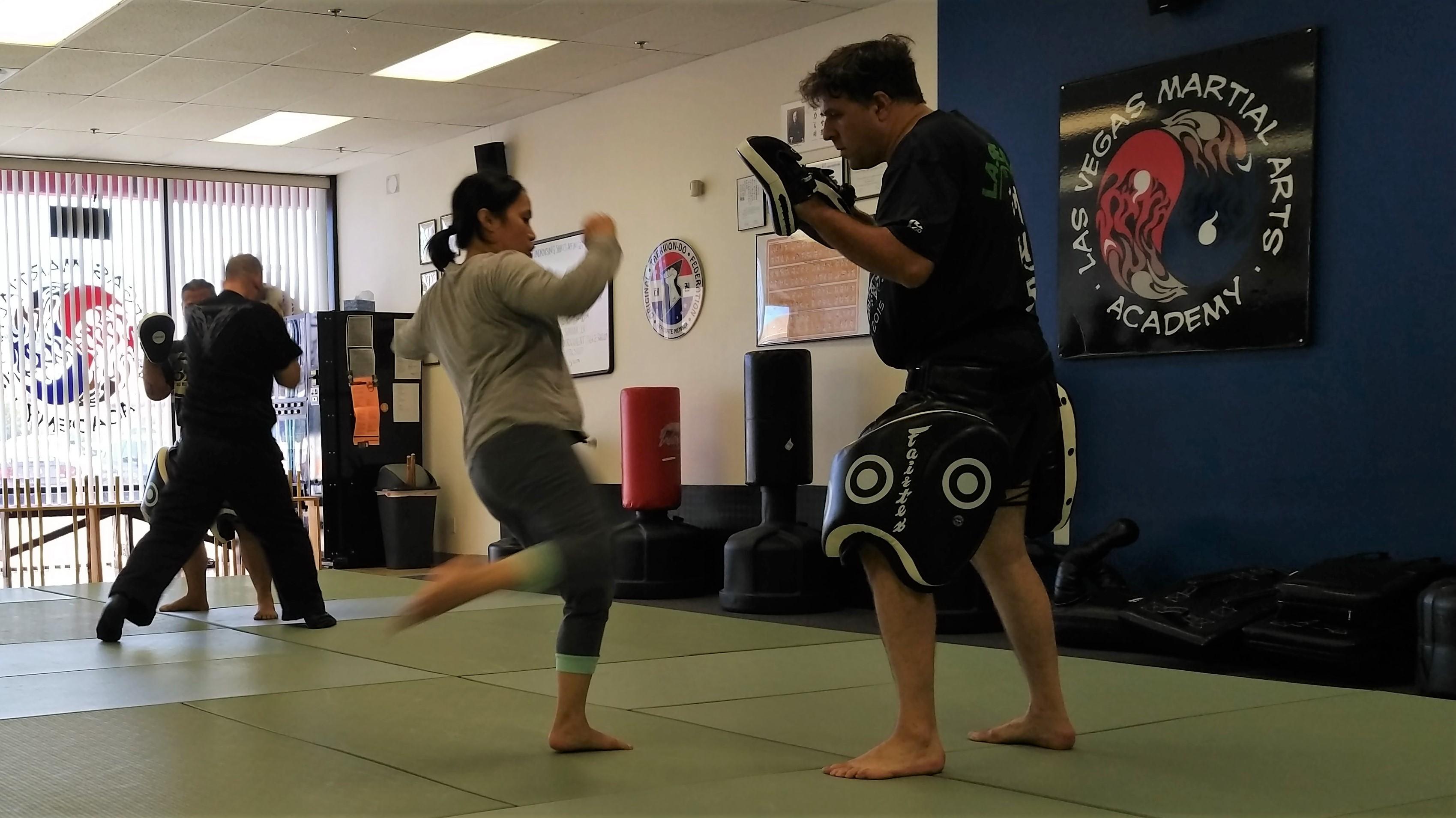 Httpsbrianvancise20180915bladed grappling jiu jitsu the kicking photog fandeluxe Images